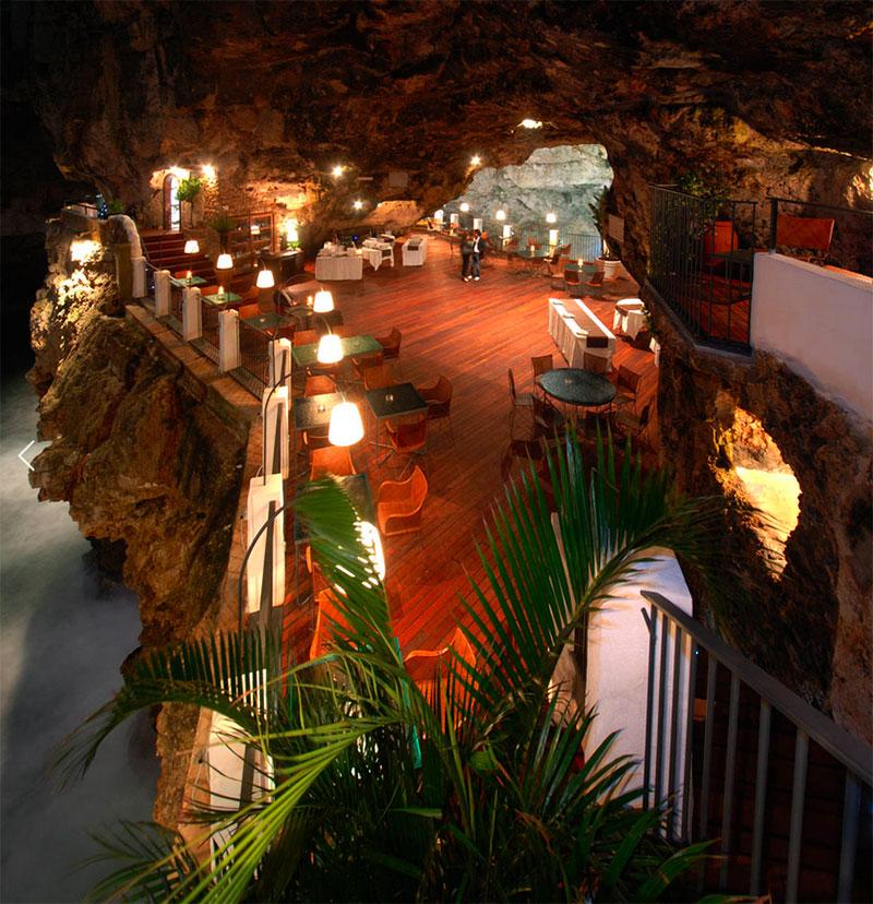 Grotta Palazzese di sera