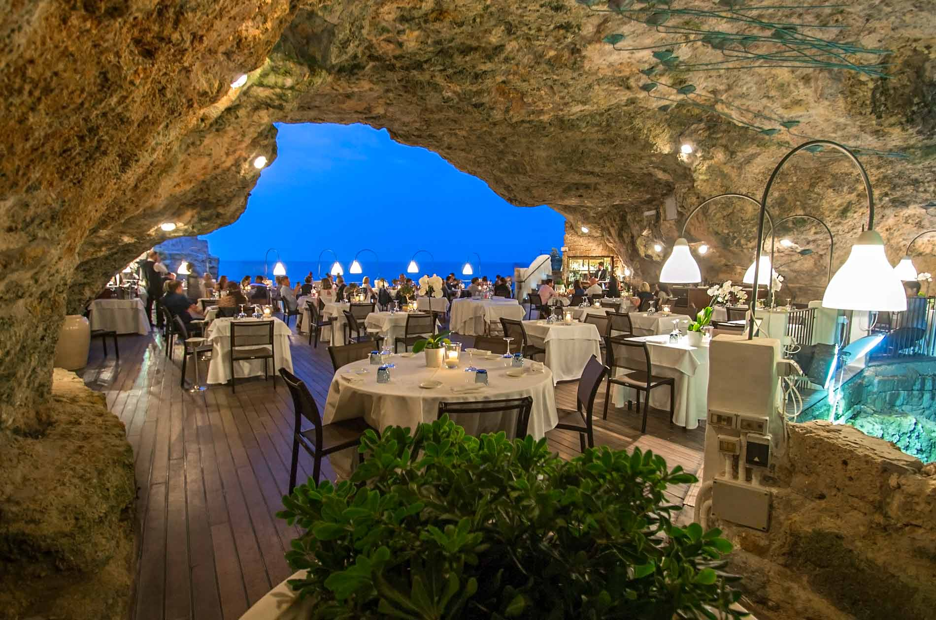 Grotta-Palazzese_terraazza_496-1900×1260